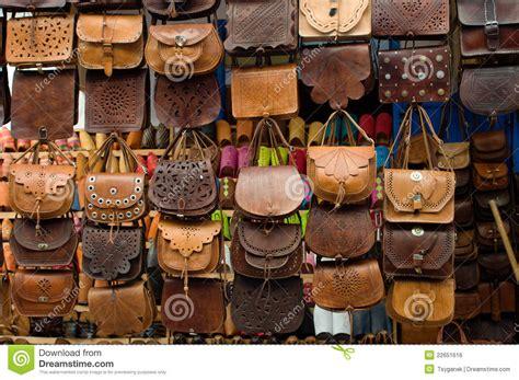 bolsos de cuero marruecos bolsos de cuero en mercado de calle en marruecos