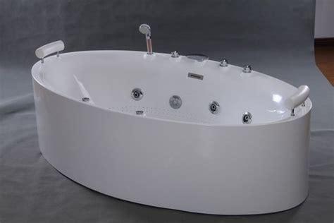 freestanding whirlpool bathtub 1000 ideas about freestanding bathtub on pinterest