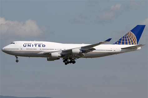 united airline file united airlines boeing 747 400 kvw jpg wikipedia