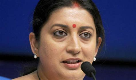 Mba Hrd Delhi by Mba Pass Out Refuses To Accept Degree From Smriti Irani