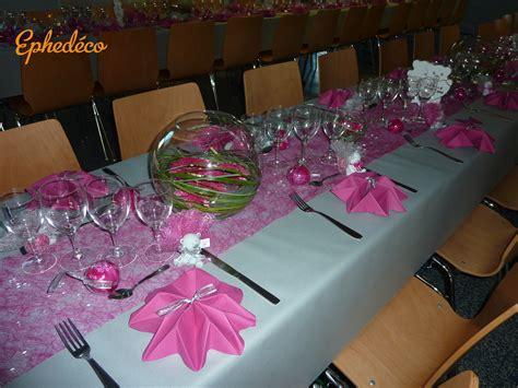 deco table mariage fushia blanc le mariage