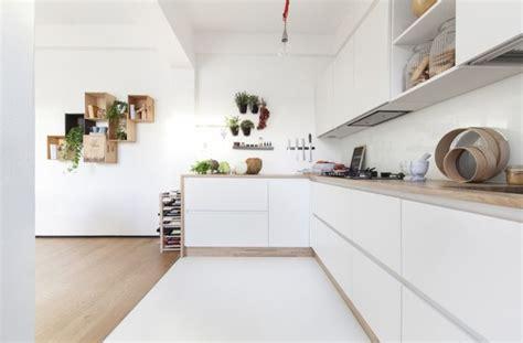 cuisine bois plan de travail blanc cuisine blanche plan de travail bois inspirations de d 233 co