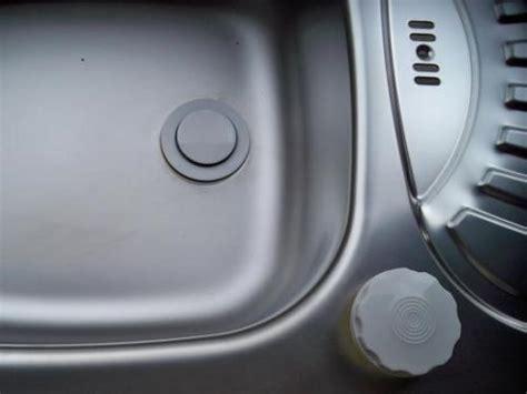 kitchen sink pop up waste 40mm pop up kitchen sink waste mfi old stock black or white
