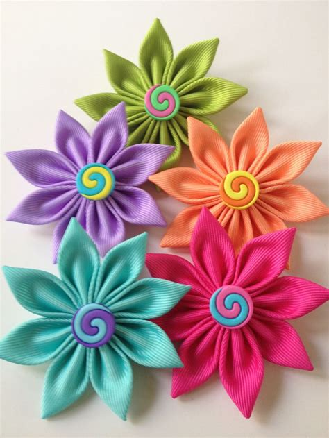 How To Make Handmade Flowers From Ribbon - ribbon flowers handmade flowers tutorials