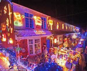 christmas light displays in milton florida thousands cram into residential for lights switch on after 12 families turn