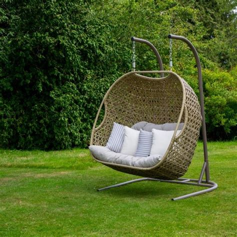 cocoon baby swing 25 best ideas about garden swing seat on pinterest