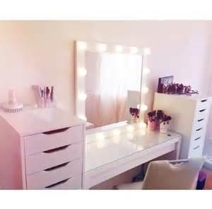 Makeup Vanity With Lights Wo Gibts Beleuchtete Schminkspiegel Beauty Kosmetikspiegel