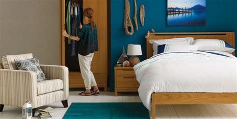 three soothing bedroom paint colors