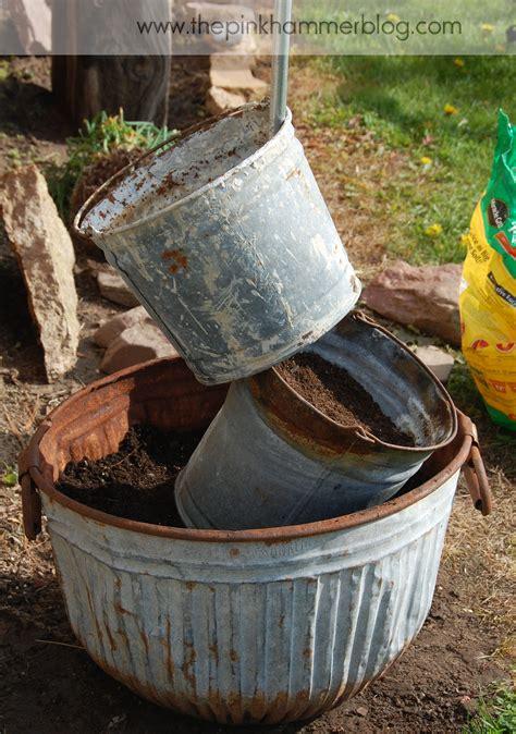 Primitive Planters by Primitive Tipsy Pot Planter Diy Upcyle In The Garden Endless Acres Farmtiques