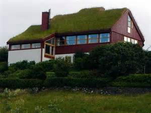 green roof what are the benefits of a green roof for your home freshome com