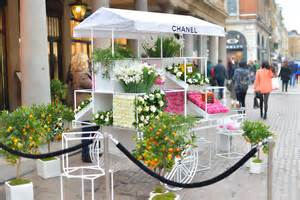 Mobile Home Interior Design chanel opens pop up flower stall in london grower direct