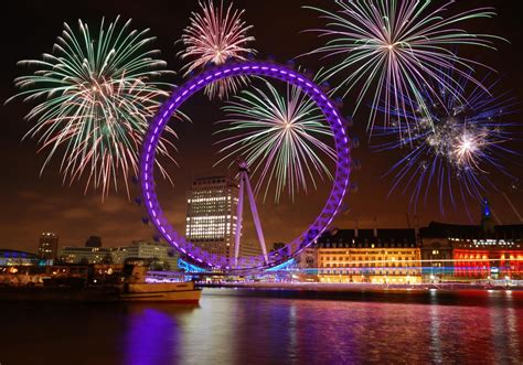 new year s eve fireworks and dinner cruise on the salient - Boat Cruise London New Years Eve