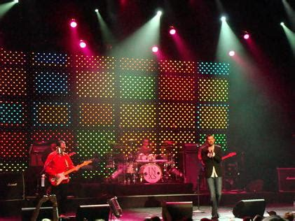 high energy house music inxs rocks the house with their high energy concert at the wiltern in la 7 11
