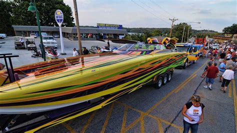 lake of the ozarks boat party ready to party