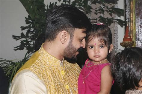 actor vivek daughters photos can we take a moment to gush over how cute vivek oberoi s