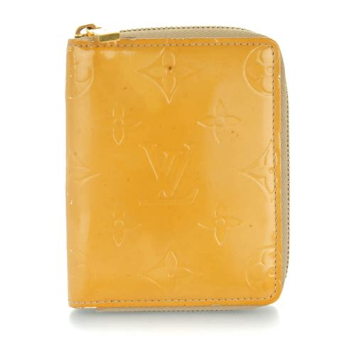 Zip Wallet Beige louis vuitton vernis broome zip wallet beige 148443