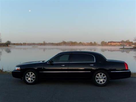 lincoln town car executive   sale ws