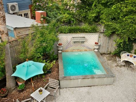 tiny pool cute little tiny pool with fountain lifted from a rental