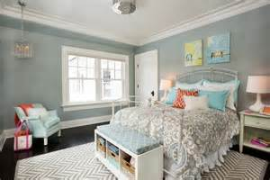 Feminine bedroom that coveys a message of comfort and peace a cool