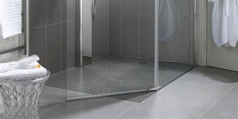 piatto doccia incassato nel pavimento rivestimento doccia mosaico un82 pineglen