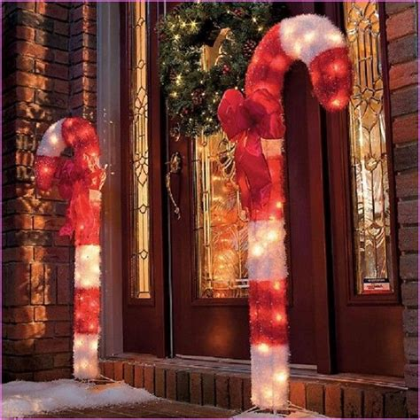 Large Outdoor Decorations Outside