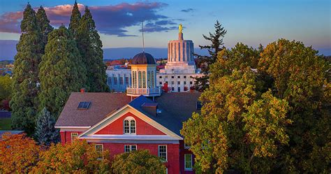 Of Willamette Mba by Mba Programs In Oregon Willamette Mba