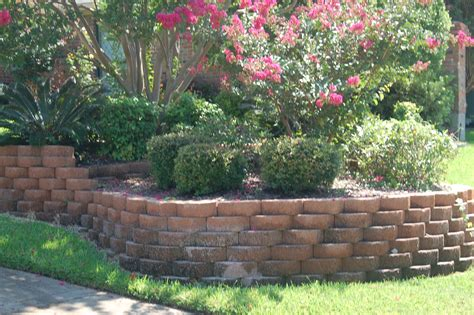 Ideas For Retaining Walls Garden Garden Wall Decoration Ideas Garden Clipgoo