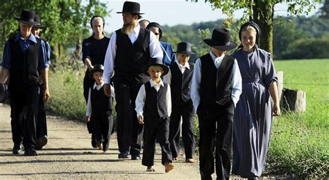 Superior What Are The Beliefs Of The Pentecostal Church #6: Xl_5716_amish-family-finedininglovers-001.jpg