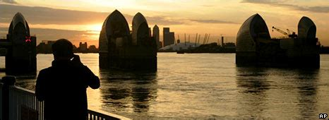 thames barrier rising sea levels bbc news science environment sea level rise by 2100