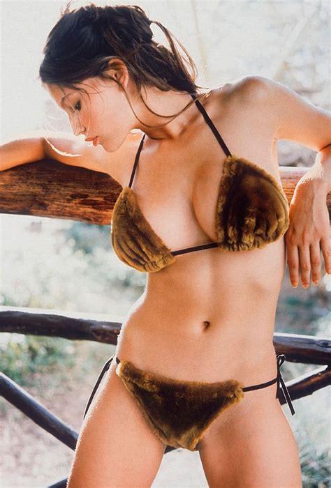 Biel Still Wearing Bikinis Blowing Minds by Throwback Thursday 1998 Laetitia Casta Si