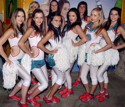 ipl  cheer girls virat kohli facebook