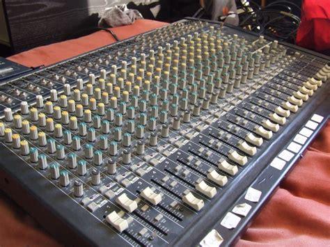 Mixer Eurodesk behringer eurodesk mx2442a image 389129 audiofanzine