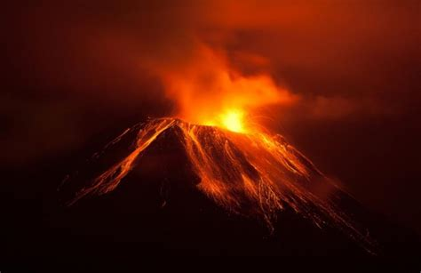 About Lava 11 Facts About Volcanoes Dosomething Org Volunteer For