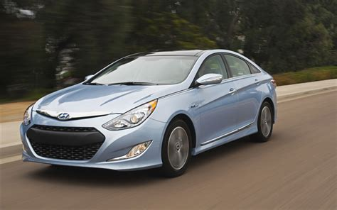 hyundai battery warranty hyundai sonata hybrid gets lifetime battery warranty