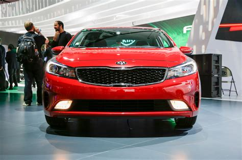 Picture Of Kia Forte Refreshed 2017 Kia Forte Debuts New Base Engine In Detroit