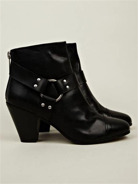 gareth pugh mens boots gareth pugh gareth pugh mens harness chelsea boot in black