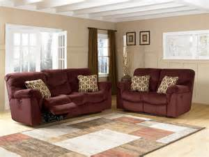 Gray And Burgundy Living Room by 17 Best Ideas About Burgundy Couch On Pinterest Burgundy