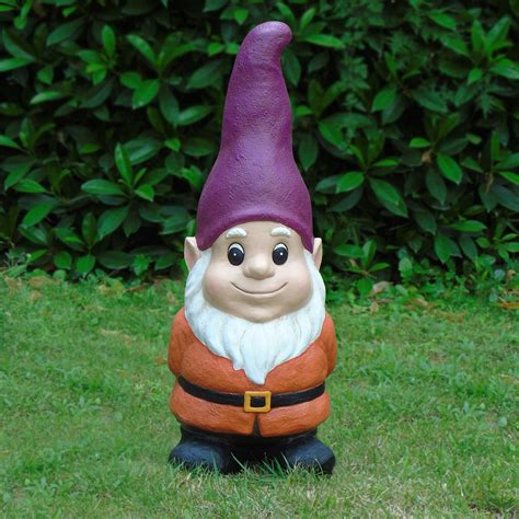 lawn gnome amazoncom sculptural gardens standing garden gnome