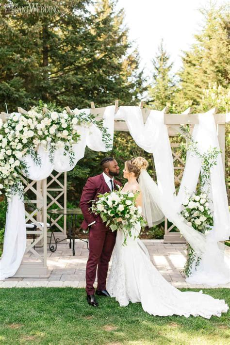 Neutral & Elegant Outdoor Wedding   ElegantWedding.ca