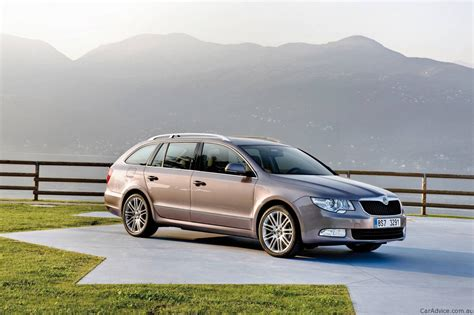 skoda superb wagon awarded fifth gear family car of the