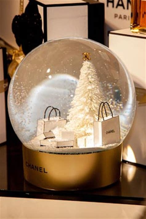 chanel beauty pop up christmas gift wrapping and