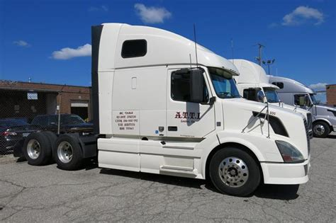 Tractor Trailer Sleeper Cab by Volvo Vnl670 Tractor Trailer Bunk Sleeper Cab