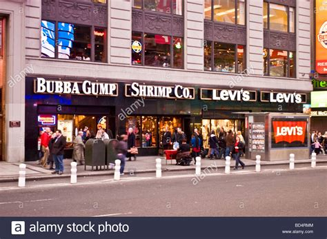 bubba gump bench 100 bubba gump bench yaaaas bubba gump shrimp company is coming to edmonton 103
