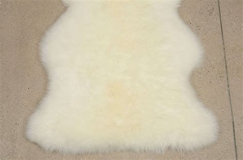Ivory Sheepskin Rug by Ivory Sheepskin Rug For Sale At 1stdibs