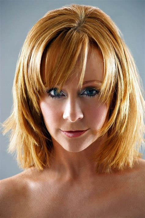 reba mcintyre with short hair 1000 ideas about reba mcentire on pinterest academy of