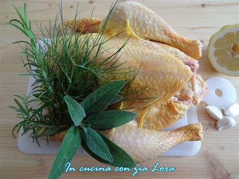 come si cucina il pollo al forno pollo intero al forno saporito in cucina con zia lora