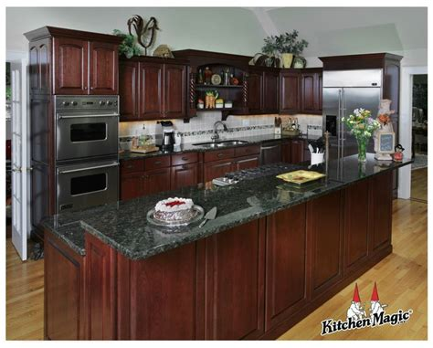 cherry wood kitchen cabinets 25 b 228 sta cherry wood cabinets id 233 erna p 229 pinterest
