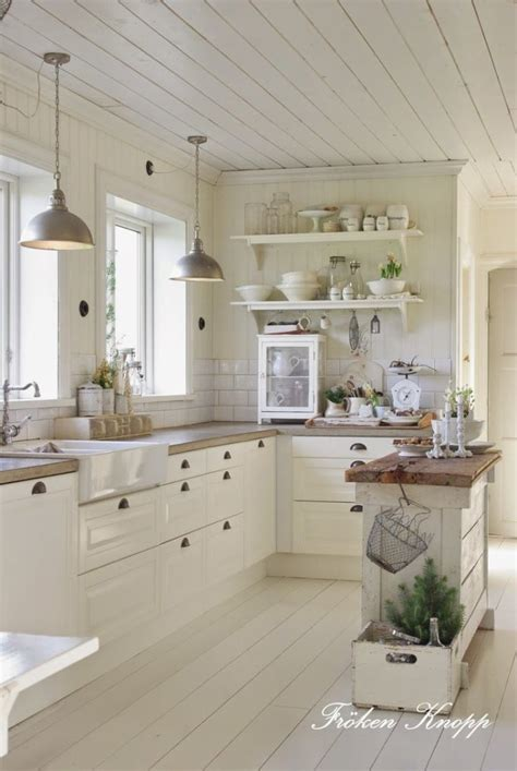 white kitchen ideas pinterest cucine shabby chic in legno grezzo colorate di bianco
