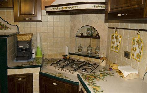 piano cottura angolare smeg progettiamo e realizziamo cucine romantiche con top in