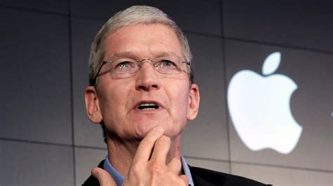 apple ceo tim cook s 163 450 000 security spending isn t as crazy as it